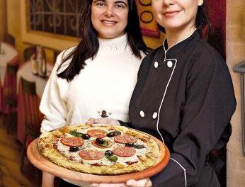 Ela assumiu o comando do forno em pizzaria da Vila Madalena