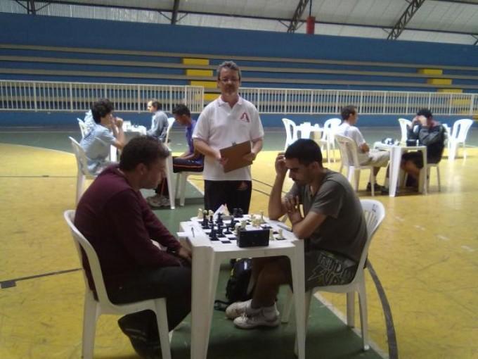 formiguense-estreia-como-arbitro-de-xadrez
