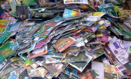 DVDs piratas do Carnaval são vendidos logo depois do desfile