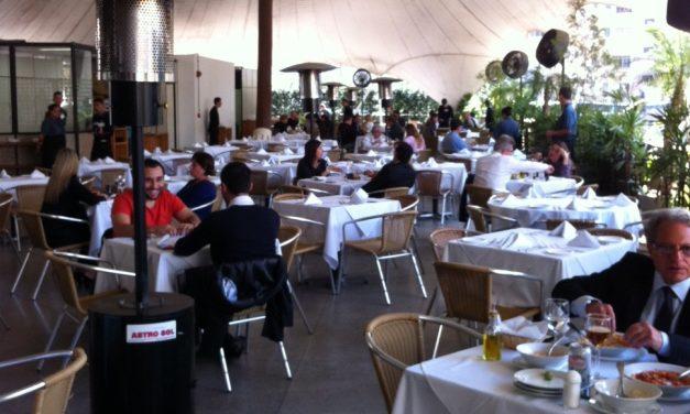 Restaurante-escola funciona nos fundos da Câmara Municipal