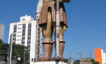 Curiosidades sobre a estátua do bandeirante Borba Gato, em Santo Amaro