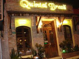 Restaurante em Santana oferece shows de bolero com Roberto Luna