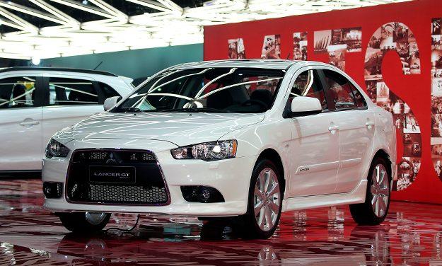 Carros brancos ganham a preferência dos paulistanos