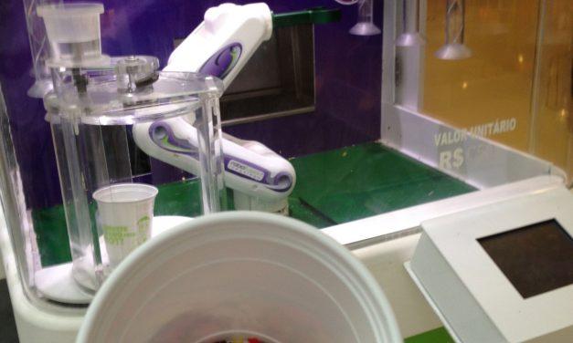 O robô-sorveteiro no Shopping Paulista me roubou R$ 6,50