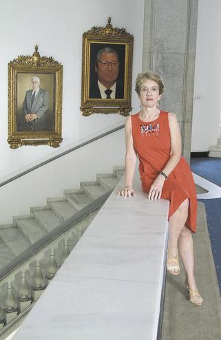 Christine Starr, cerimonialista do Palácio há 36 anos, conheceu Menem, mas não a falta de água