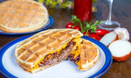 Chef francês cria sanduíches com massa de waffle no Butantan Food Park