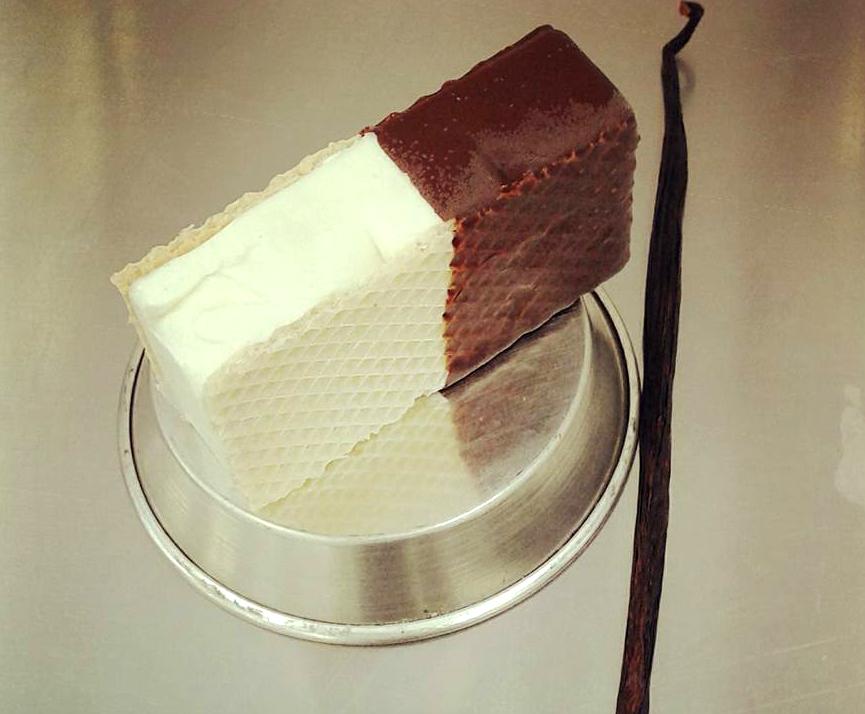 A baunilha, usada para fazer o gelato, vem do Rio de Janeiro. Foi lá que Andrea achou o produto de melhor qualidade