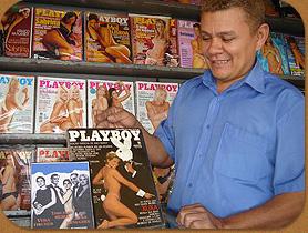 Dono de banca que só vende Playboy acredita em vendas maiores com o anúncio do fim da edição brasileira
