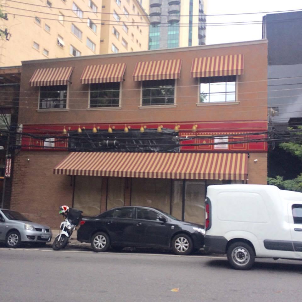 E a fachada da futura loja na Rua Bela Cintra